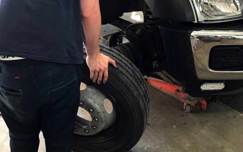 Nous changeons les pneus de n'importe quel modèle de voiture