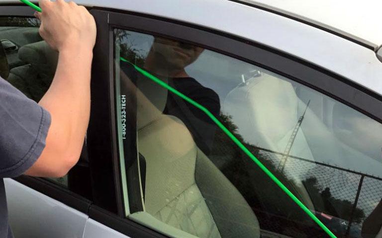 Votre voiture sera déverrouillée en deux temps trois mouvements
